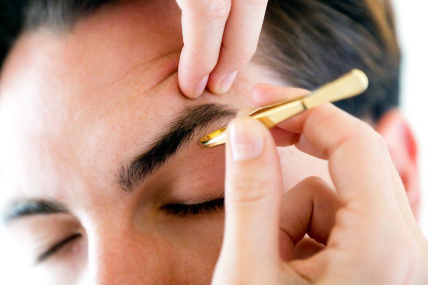 眉毛のお手入れ方法